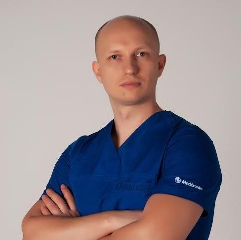Алексей Ерошкин, к.м.н., нейрохирург отделения лазерной эндоскопической спинальной нейрохирургии Центрального госпиталя МВД Украины