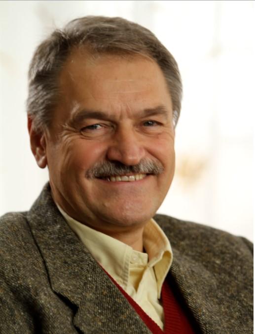 О. С. Чабан д-р. мед. наук, профессор, академик АНВО Украины, вице президент АППУ, психиатр, психотерапевт: групповой аналитик.