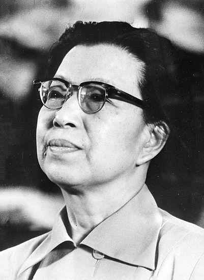 Jiang_Qing_1976