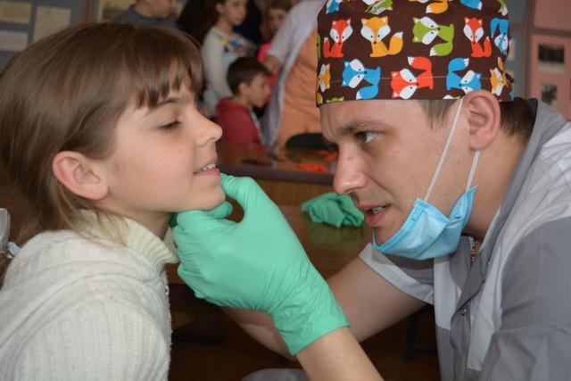стоматолог ПДМШ, Попасная, Медпросвита