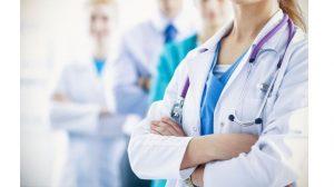 врачи сложили руки на груди_медпросвіта