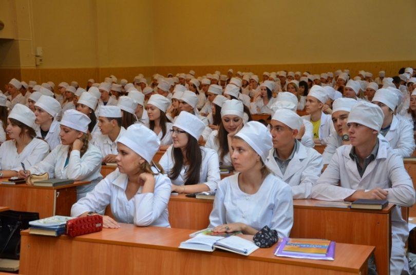 Студенты-медики_Медпросвіта